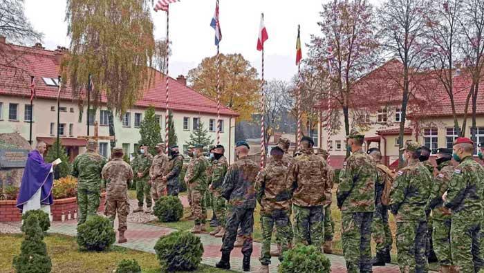 Pripadnici 6. HRVCON-a u Poljskoj obilježili Dan Svih svetih i Dušni dan | Domoljubni portal CM | Press
