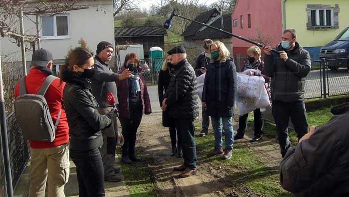 Gradišćanski Hrvati u Majuru donirali devet kombija pomoći