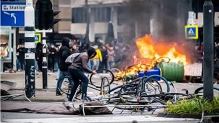 Nizozemska: Treća noć nasilja zbog policijskog sata, 150 privedenih