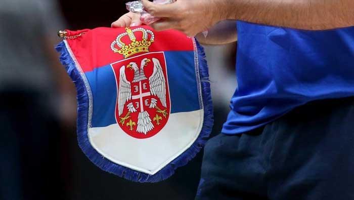 Izgred u Podgorici: srpska trobojnica na ogradi Hrvatskog veleposlanstva