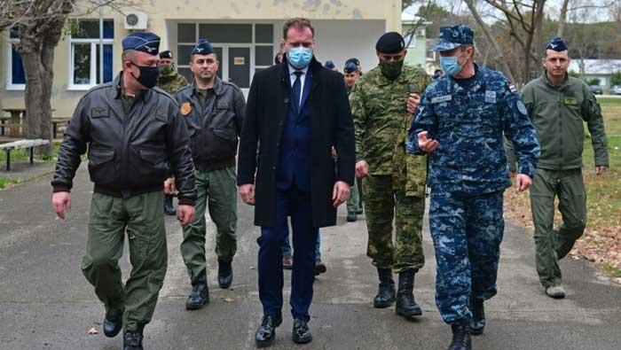 Ministar Banožić posjetio vojarnu 'Pukovnik Mirko Vukušić' u Zemuniku | Domoljubni portal CM | Press