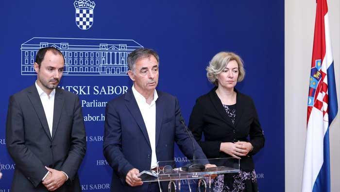 Milorad Pupovac održao konferenciju za novinare | Domoljubni portal CM | Press