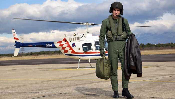 Kadeti izveli samostalne letove na helikopteru BELL-206B | Domoljubni portal CM | Press
