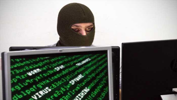 Bloomberg: Kineski špijuni krali podatke putem malih čipova umetnutih u matične ploče servera