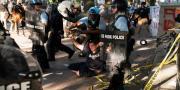Policija suzavcem rastjerala prosvjednike ispred Bijele kuće