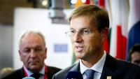Cerarova vlada od EK zatražila posredovanje u sporu oko štediša Ljubljanske banke