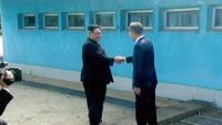 Iznenada se sastali Moon Jae-in i Kim Jong-un