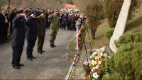 SINJ: Odana počast poginulim pilotima i padobrancima Samostalnog zrakoplovnog voda 4. brigade ZNG-a